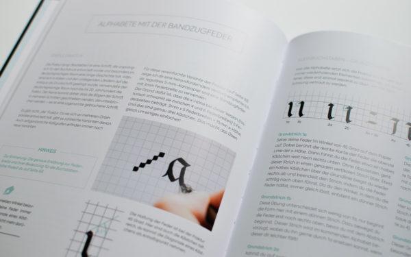 kalligrafie alphabete buch
